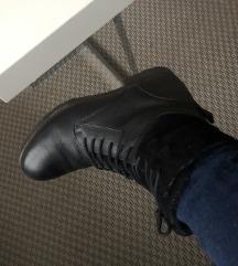 Crne kozne cizme 39 (pt uklj)