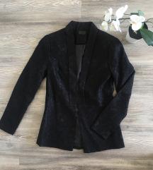 Crni čipkani sako