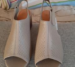Sandale. NOVO
