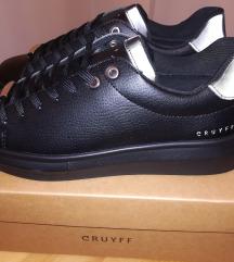 CRUYFF NOVE