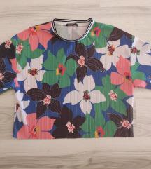 Bershka šarena majica