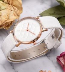 Prekrasan ženski sat - bijele boje - Novo