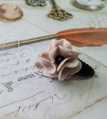 unikatna špangica - filc cvijet