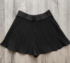 Zara crne bermude