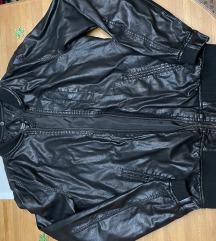 Kozna jakna Bershka