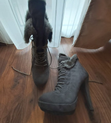 Čizme na visoku petu