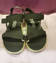 Nove adidas sandale 38