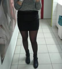 Crna kožna mini suknja