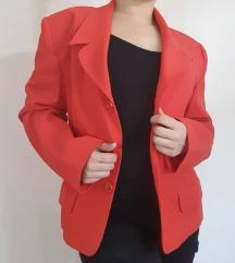Crveni strukirani sako