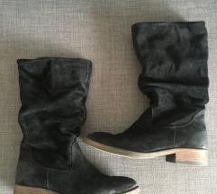Crne cizme brusena koža 39