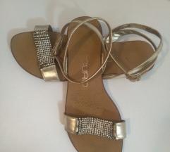 Zlatne ljetne sandale