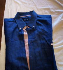 muška plava košulja