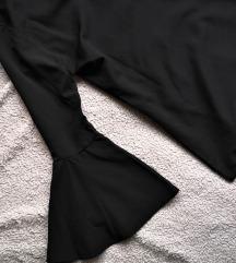 Crna bluza sa zvono rukavima
