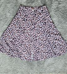 Midi suknja sa gumbima