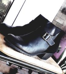 Crne čizme-gležnjerice PRAVA KOŽA