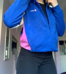 NIKE trenerka u plavoj, rozoj i krem boji