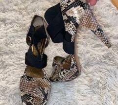 Sandale sa uzorkom prave zmijske kože