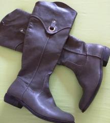 Visoke,sive čizme