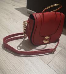 Crvena elegantna torbica