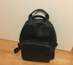Ženski kožni ruksak