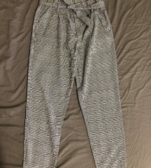 Karirane sive hlače s mašnom