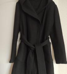 Crni lagani kaput