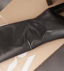 Nove kožne čizme zara