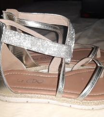 Srebrne niske sandale