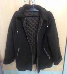 Topla smeđa zimska jakna