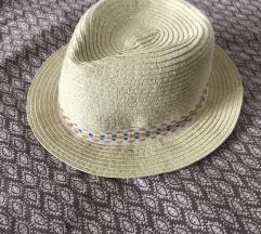 Zara šeširić 3-6g