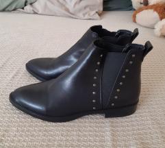 Shoe box gležnjače