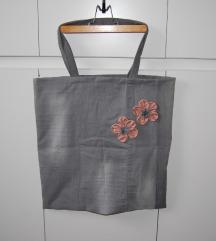 NOVO siva traper torba sa cvjetićima - ručni rad