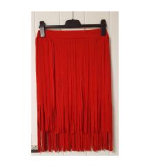 Crvena suknja s resicama