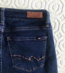 rezz NOVE Tommy Hilfiger traperice jeans ✨💙