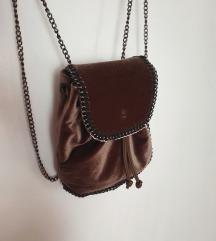 Baršunasti ruksak boje čokolade