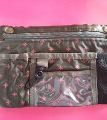 Kozmetička zelena satenska torbica