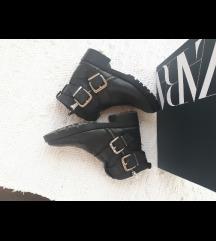 Zara crne kožne motorističke cizme 38