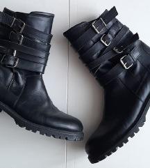 Crne kožne kombat čizme ZARA 40