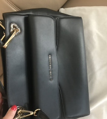 Moschino orginal kozna torba  Rezzz do 08 studenog