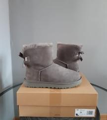 Nove Ugg cizme