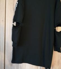 Crna sportska haljina L/XL 60 kn
