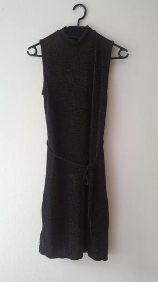 crno zlatna večernja haljina (Bershka)