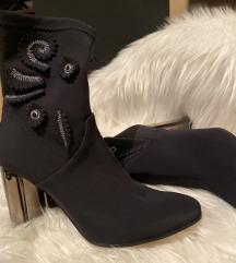 Pinko crne čizme