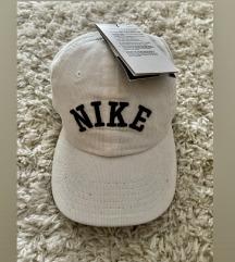 poklon kapa prvoj osobi koja kupi