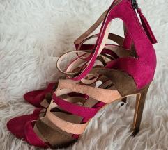 KAO NOVE Zara sandale br.40