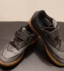 Nike tenisice vel.30