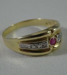 Prekrasan srebrni prsten pozlata rubin briljanti