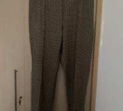 Karirane hlače i suknja