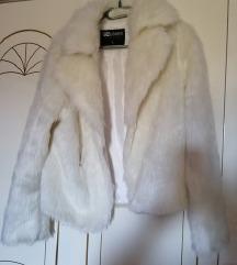 Bijela krznena jakna L