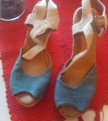 Prodajem sandale vel 41